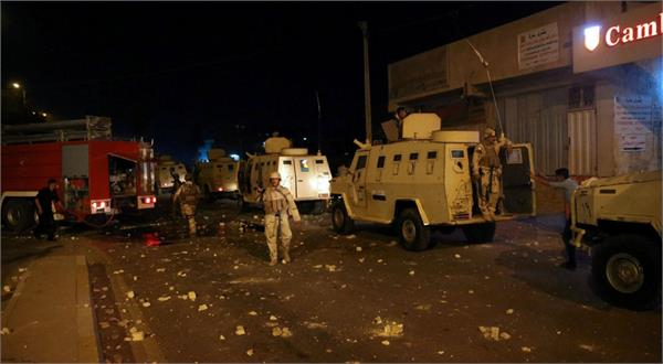 protesters wounded in clashes with police in iraqi city of basra