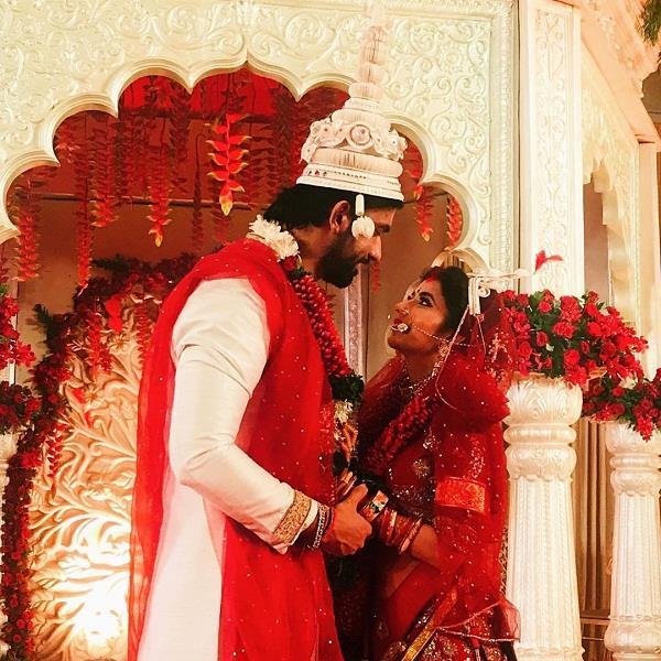 सुष्मिता सेन के भाई ने की दोबारा शादी, गोल-गप्पे खाती दिखी नई नवेली दुल्हन