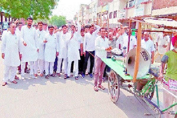 traders start indefinite strike closed shops exhibit fury