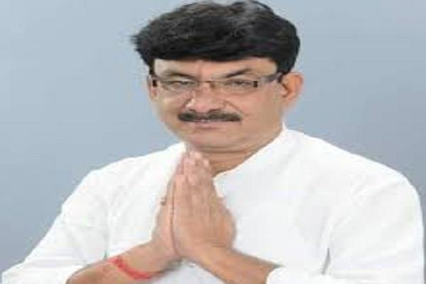 villagers accused of scandal scindia received less votes than minister