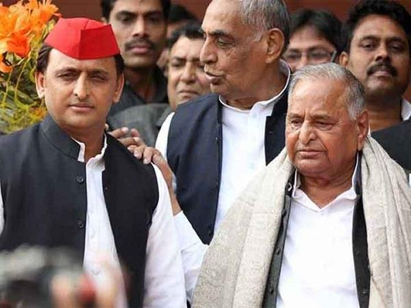 mulayam akhilesh congratulated on eid ul fitr