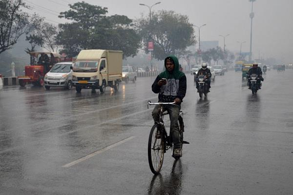 rain in many districts including lucknow