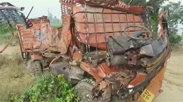 10 killed in road accident in sambhal 12 injured