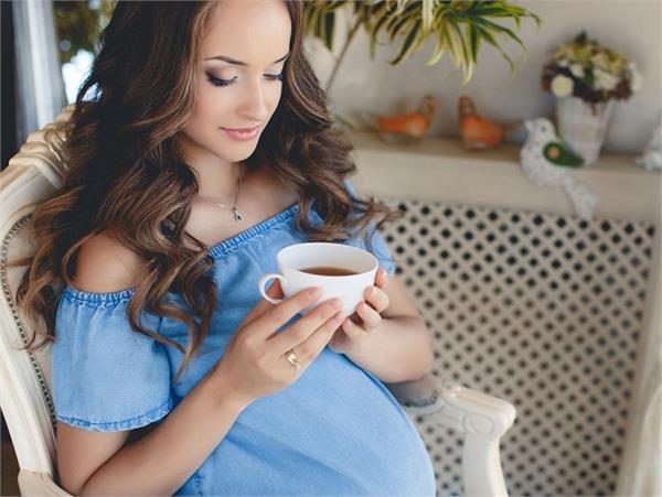 Pregnancy Diet: प्रैग्नेंसी में कॉफी पीना सही है या गलत?