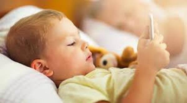 do not let the children of smartphones