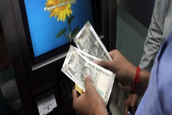 govt may introduce tax on cash withdrawal of rs 10 lakh in a year