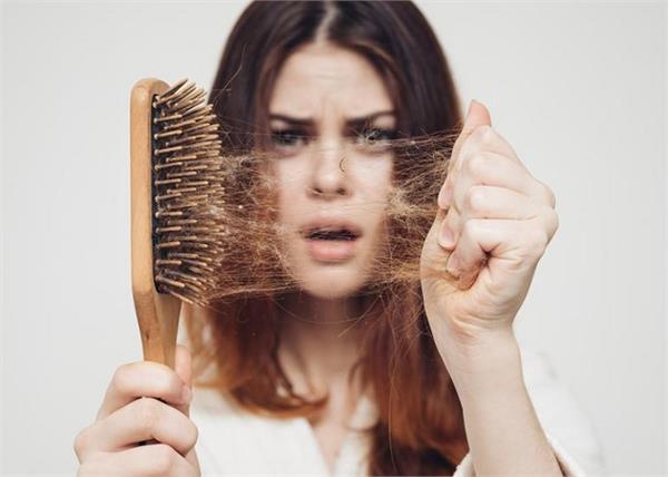 झड़ते बालों से हैं परेशान तो लगाएं यह हेयर मास्क, महीनेभर में मिलेगा रिजल्ट