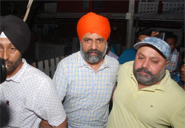 punjab cm s letter head and 8 lakhs recovered from ato s house