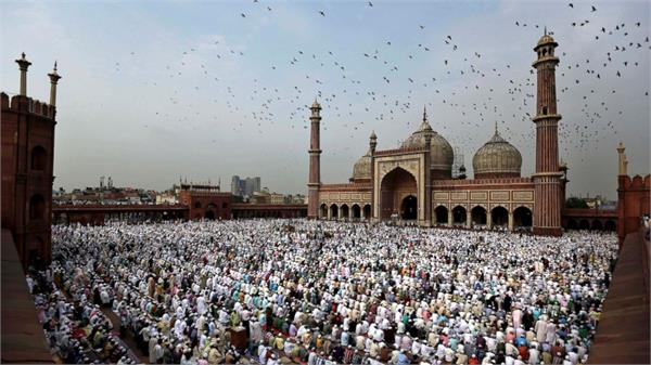saudi arabia celebrates eid ul fitr today