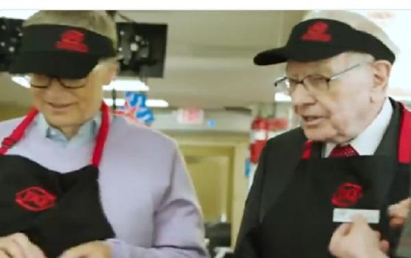 bill gates and warren buffett work at dairy queen restaurant