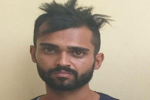 bhukki smuggler arrested from lakhanpur