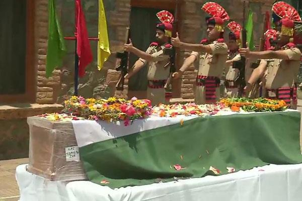 tribute paid to martyr sho arshad khan