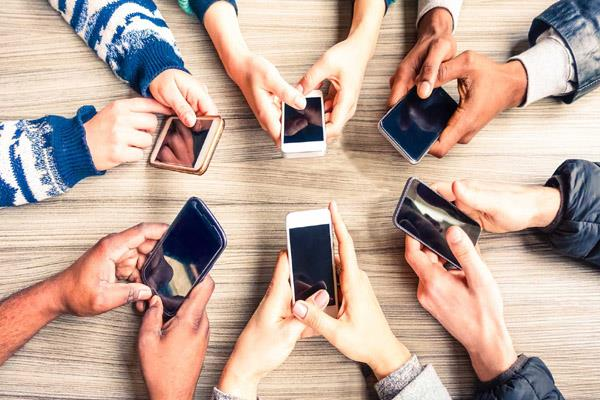 trai chief allays concerns on dip in mobile user base rules out intervention