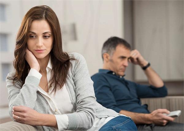 धोखेबाज पार्टनर के साथ ना चाहते हुए भी क्यों रहती हैं औरतें? जानिए 6 बड़ी वजह