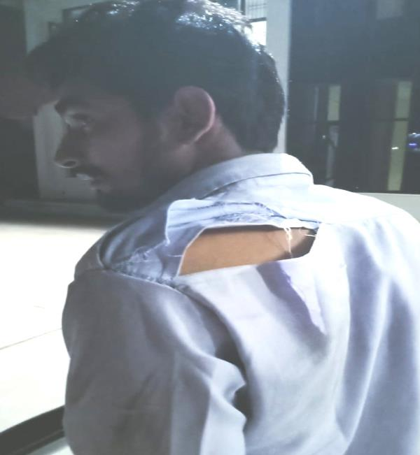 driver to pcr workers beat even threw money