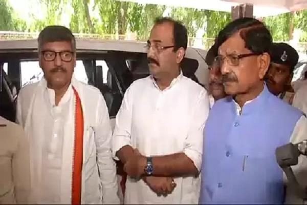 congress leader reached muzaffarpur to meet sick children