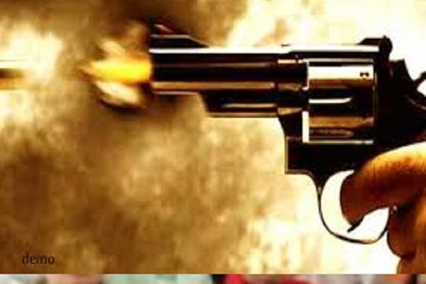 naxalites firing in the name of mukhbiri in lonji 1 killed