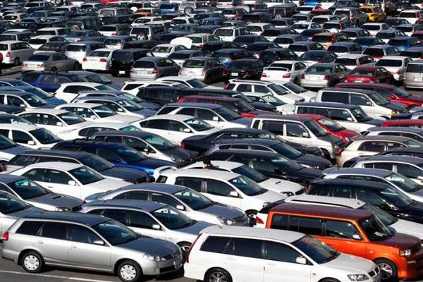 35 lakh vehicles worth rs 52 000 crore are not available