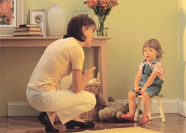 Parents' Day: बेहतर इंसान बनाने के लिए बच्चे को जरूर सिखाएं ये 8 अच्छी आदतें