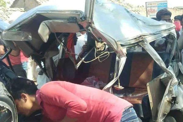 road accident in jalun four dead four injured