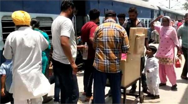 free clean cold water service at the railway station to get relief from heat