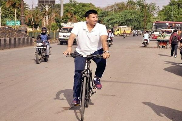 jitu patwari carried out cycling inspection of saraswati river