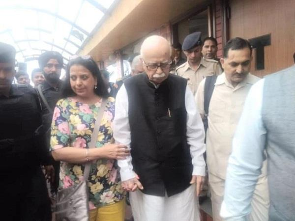 jakhu temple arrived in lal krishna advani