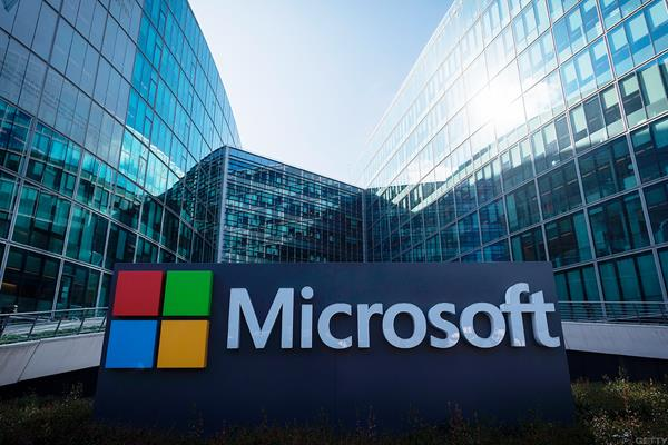 microsoft working with pc makers to empower smes