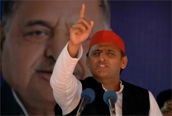akhilesh immediately after the speech at the rally