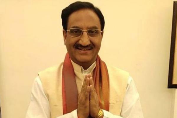pokhriyal directs iit and iiit directors to make yearly plan