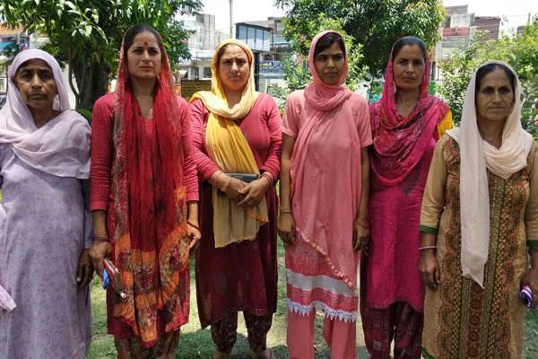 women of kathua sakta chak demand water