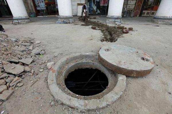 gujarat sewer sanitation manager arrested