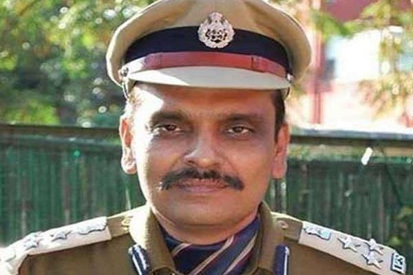 ips kunwar vijay pratap singh election commission sent notice
