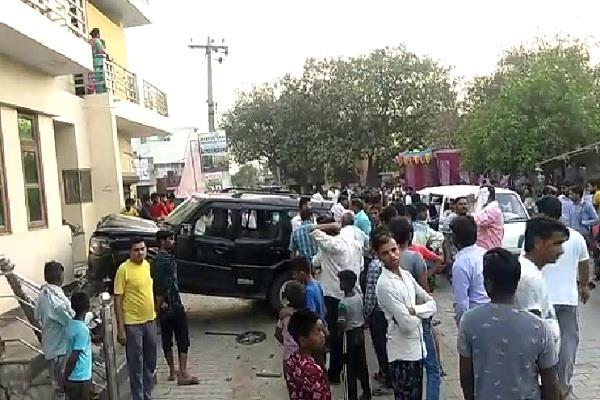 road accident in sonipat four child injured