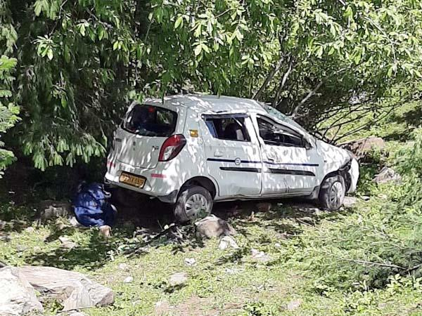 accident occured with tourist 5 injured