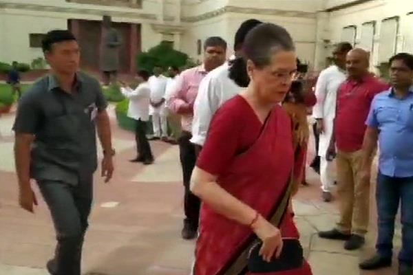 sonia gandhi convenes meeting of opposition