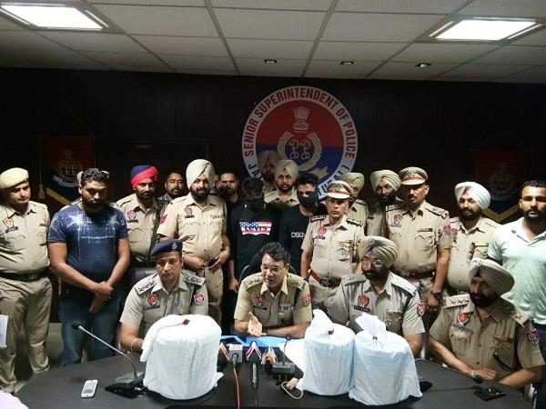 16 kg opium recovered from 2 young man