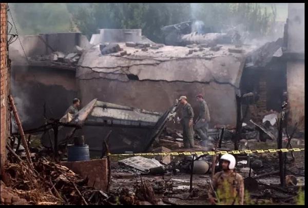 pakistan military plane crashes in rawalpindi 19 killed