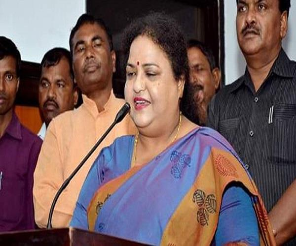 action on teachers found on social media will be done anupama