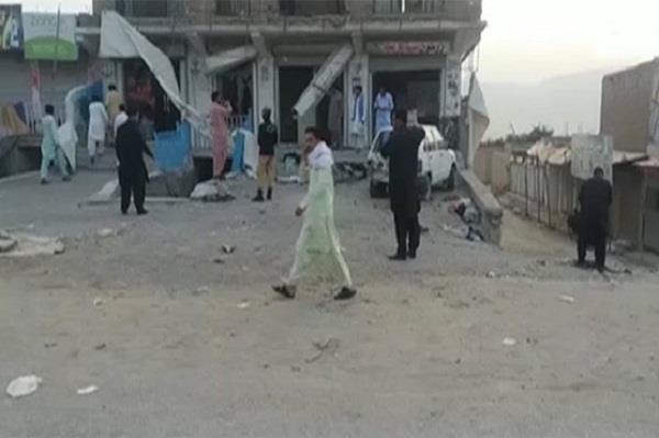 two killed 25 injured in quetta blast  pakistan