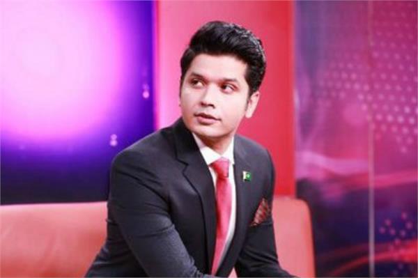 pakistan news anchor shot dead outside karachi cafe