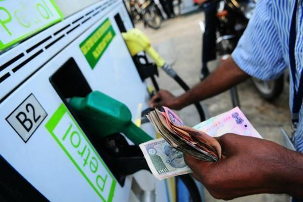 price of petrol rises diesel prices remain same