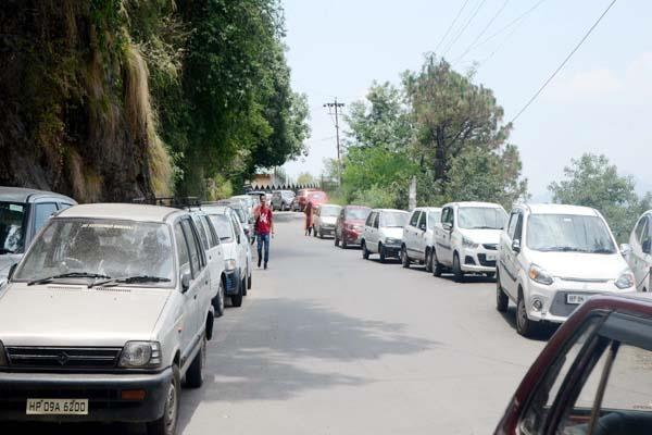police brigade on illegal parking in shimla