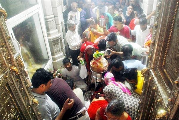first monday of savan devotees of shiva temples