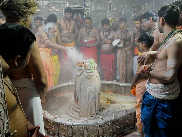 PunjabKesari, भस्म आरती, Bhasma Aarti, Mahakaleshwar temple ujjain, महालेश्वर मंदिर, उज्जैन