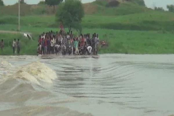 due to heavy rain dipped the bridge of parvati river in sheopur