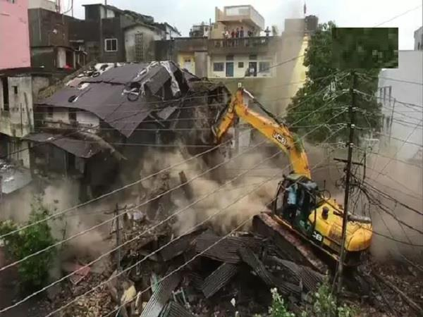 municipal corporation broke old house