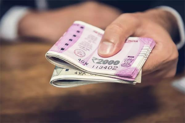 1 75 lakh people in a year more than 10 million cash withdrawal from banks