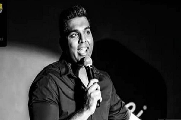 comedian death while performing live performance