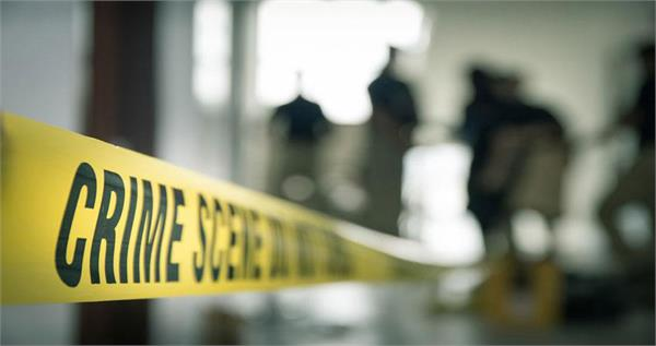 attack on police and excise team bringing arrested accused